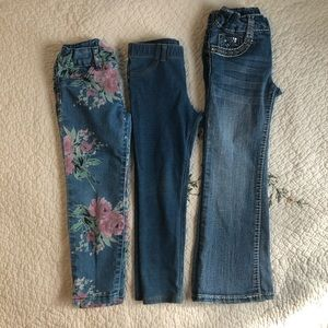Bundle of three jean for toddlers size 4 T
